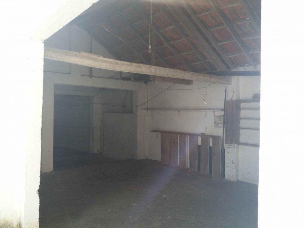 38-Garage and storage