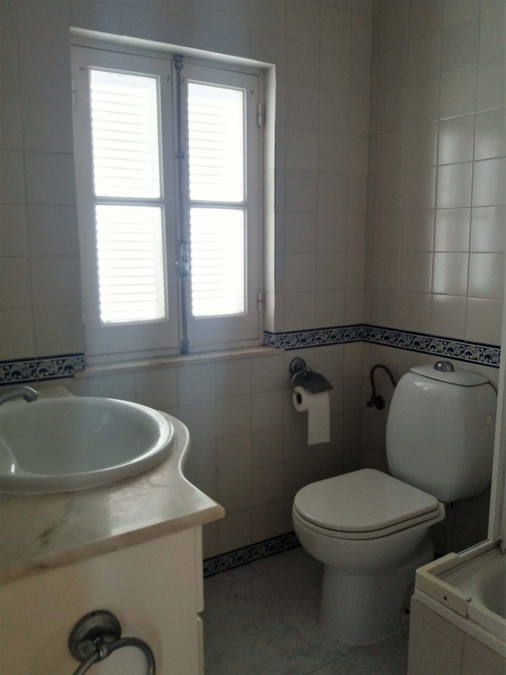 7-Bathroom-suite house 1.