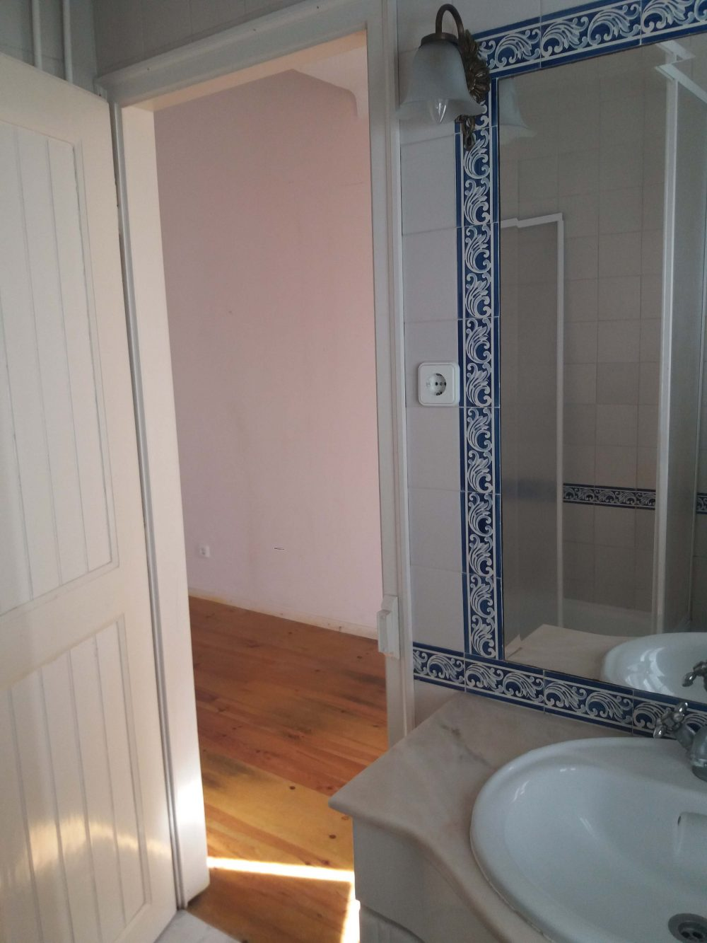 8-Bathroom-suite house 1..
