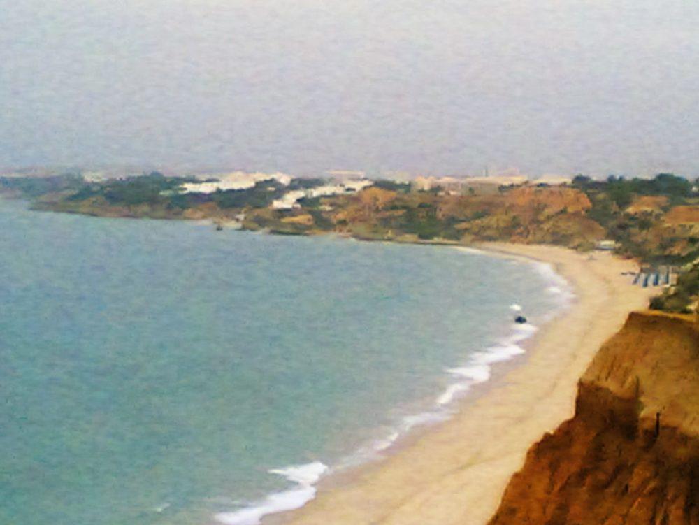 Praia Falésia.